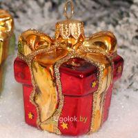 Ёлочная игрушка Подарок красный (ручная работа)