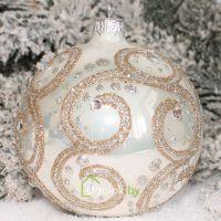 Новогодний шар 8 см Д-395 белый опал (ручная работа)