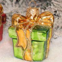 Ёлочная игрушка Подарок зелёный (ручная работа)